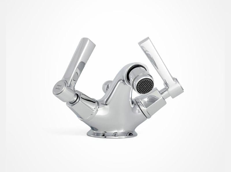 arte bidet with levers