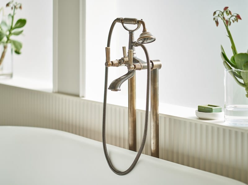 ARTE BATH MIXER ON STAND PIPES